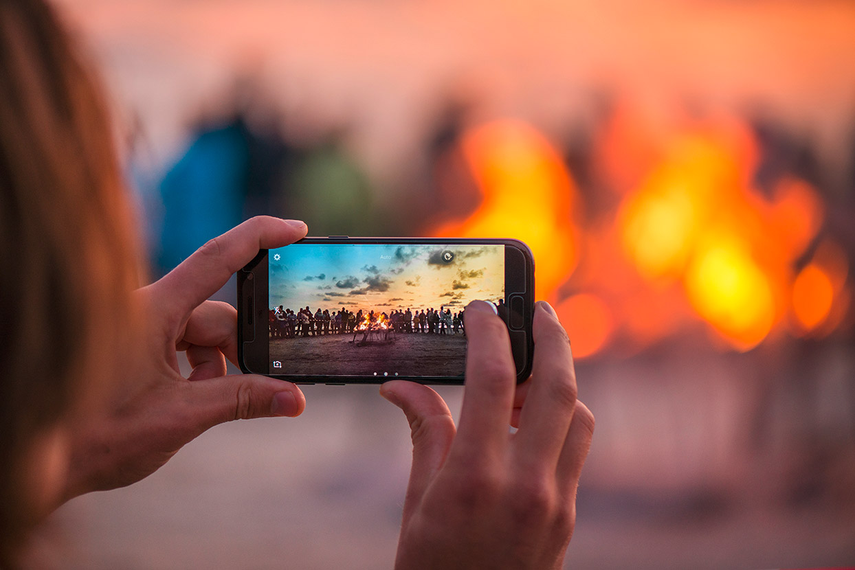 Taking a picture with a smartphone